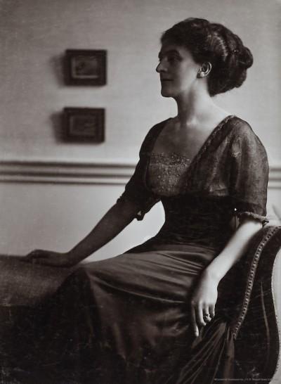 Ada-Nemesis-Pearson-Cooper-wife-of-John-Galsworthy-England-UK-1912f5b5f5deb655a71f.jpg