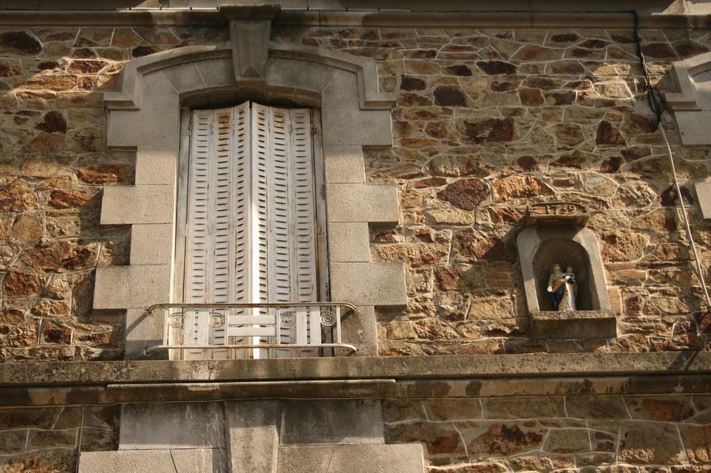 Shutters-of-a-house-in-Lamballe.-1759.jpg