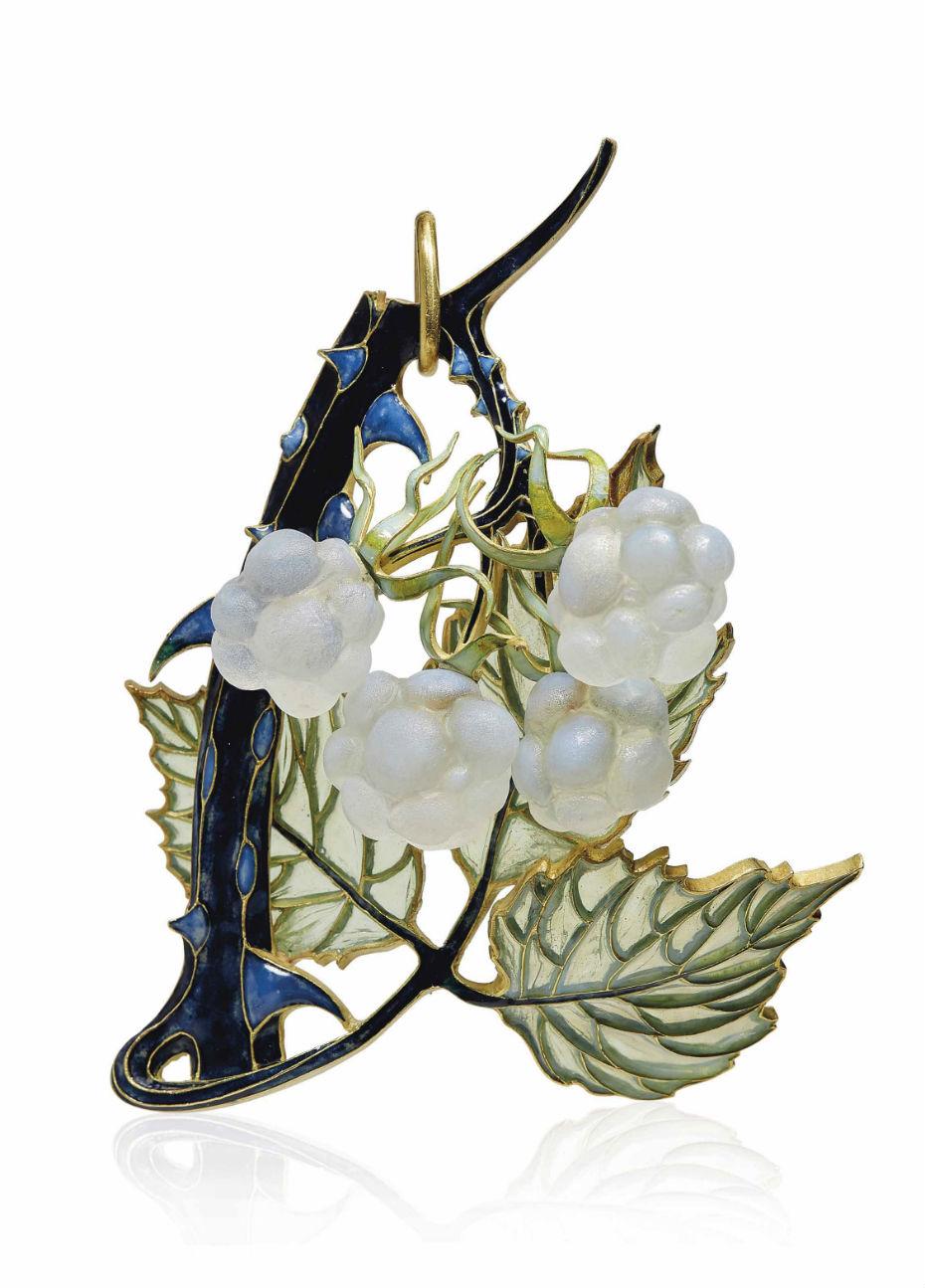 2017_GNV_15697_0026_000an_art_nouveau_enamel_and_glass_raspberry_pendant_by_rene_lalique.jpg