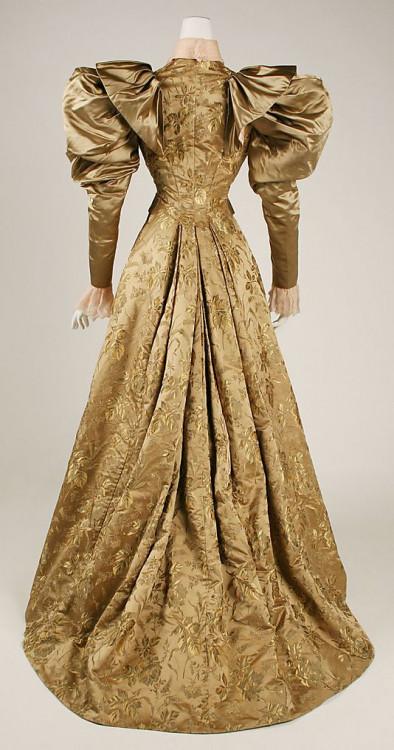 a0ad9b979e633c21e2e28e8458942a5a--s-fashion-victorian-fashion.jpg