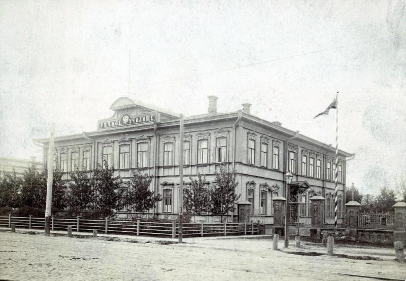 Rechnoe-uchilishche-v-Admiralteyskoy-slobode.-1917-god.jpg